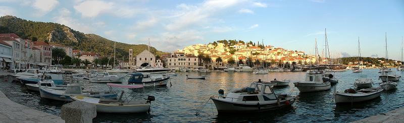 Západ slunce na ostrově Hvar v Chorvatsku
