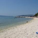 Oblázková pláž v Segetu Donji