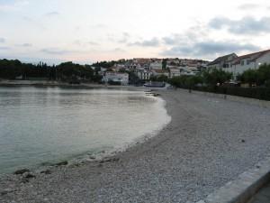 Pláž v Primoštenu, Chorvatsko